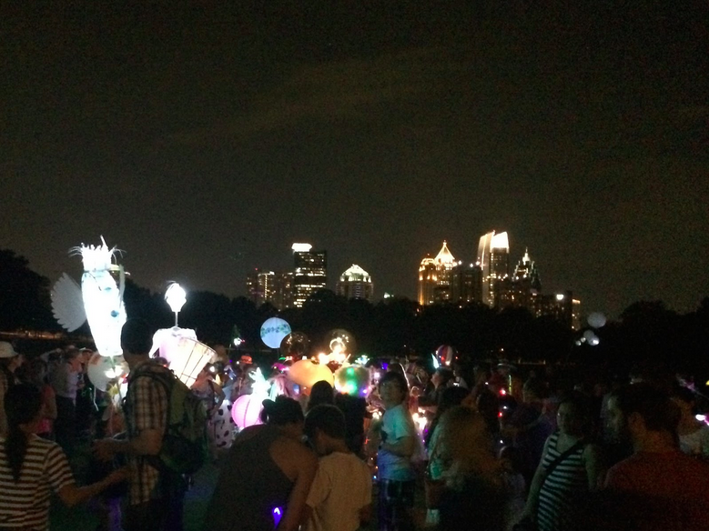 Beltline+Lantern+Parade+offers+light%2C+music%2C+magic