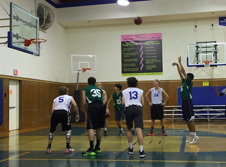 Upper+School+boys+flock+to+PRUMC+basketball